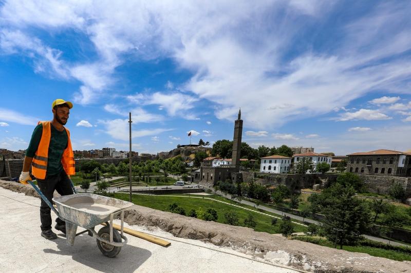 Büyükşehir, kentin çehresini değiştirecek projelere devam ediyor