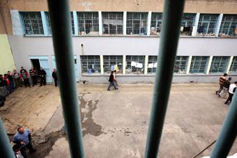 Cezaevlerindeki kişi sayısı yüzde 10 arttı