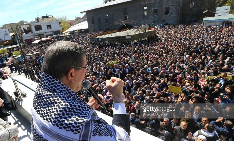 Davutoğlu: Diyarbakır'da başkanlık ofisi açacağım