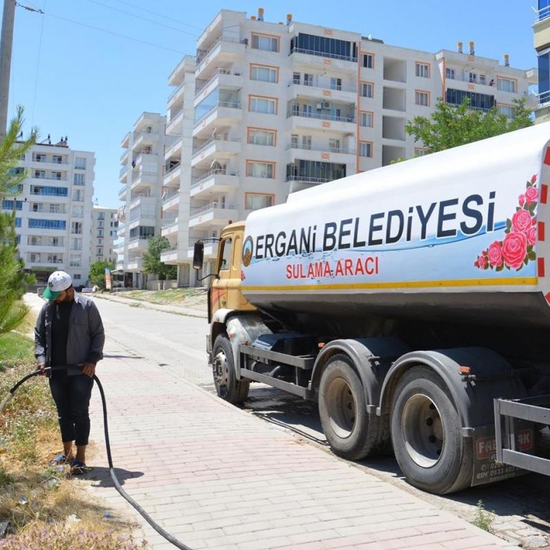 Ergani Belediyesi 3 su tankeri kiraladı
