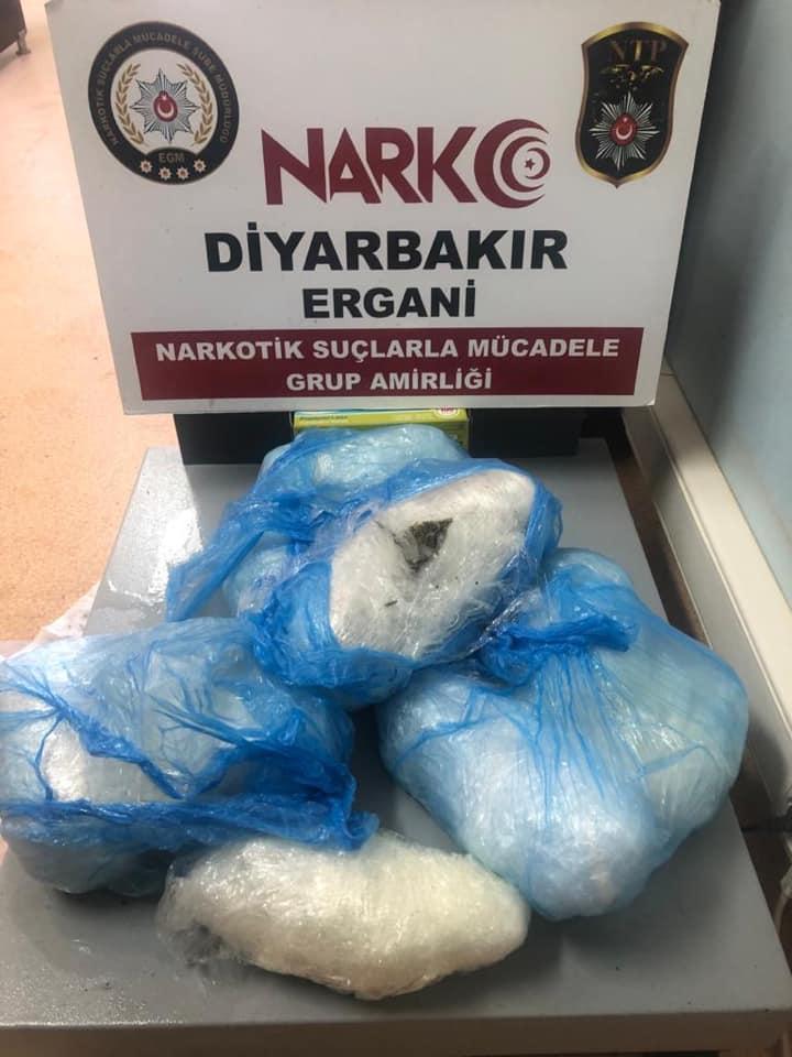 Ergani'de 7 kilo 500 gram esrar ele geçirildi