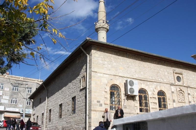Ergani'de cuma namazıyla ibadete açılacak yerler