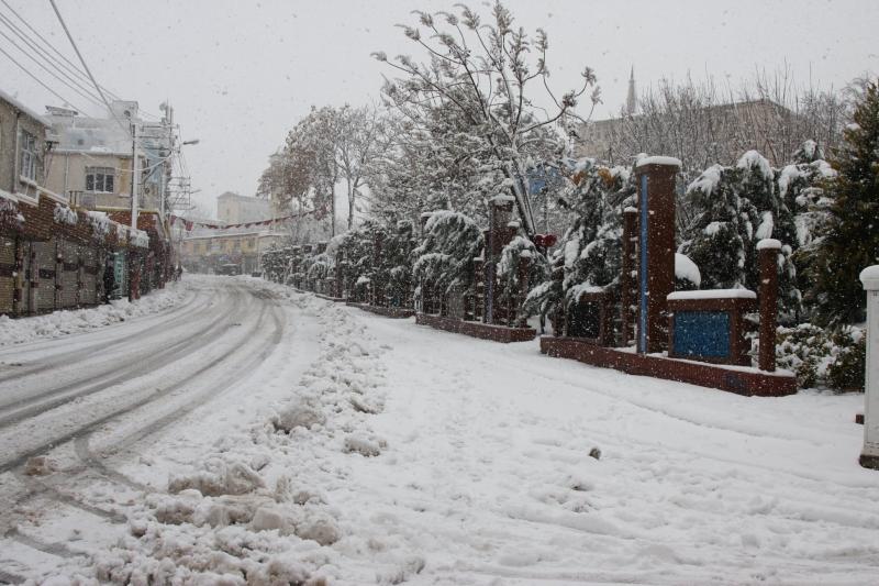 Ergani'de kar temizleme çalışması