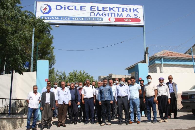 Ergani'de Muhtarlar Elektrik Kesintilerine Tepki Gösterdi
