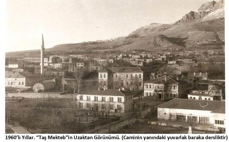 """Ergani'deki """"Taş Mektep"""" ve Diyarbekir Eğitim Tarihi"""