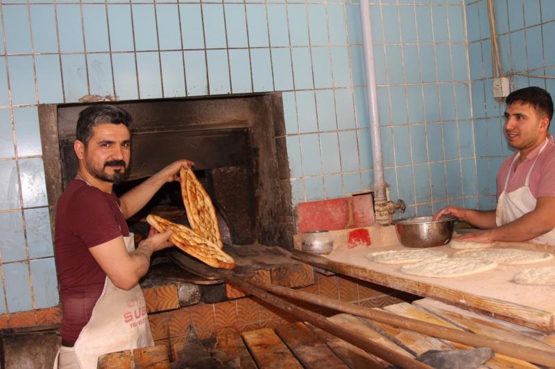 Fırıncıların ramazanda sıcakla imtihanı