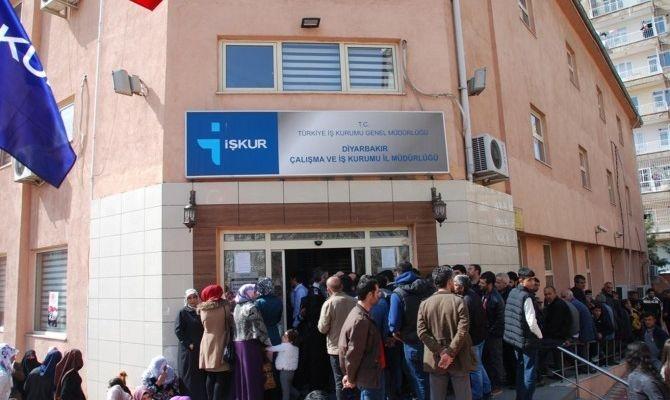 İş-Kur'dan 147 üniversite öğrencisine iş imkanı