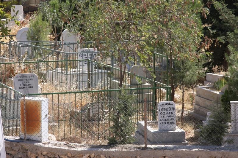 Mezarlıklar Bakımsız ve Yetersiz