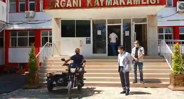 ÖZTÜRK VATANDAŞA MOTOSİKLET HEDİYE ETTİ