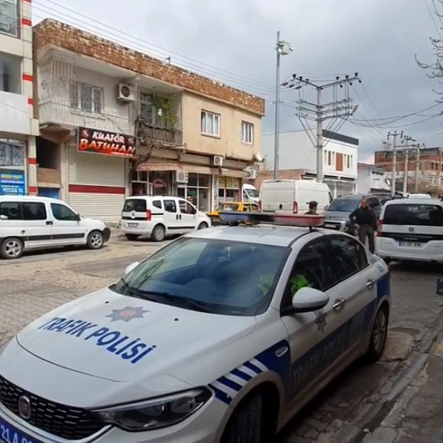 Polisten Türkçe ve Kürtçe Anons