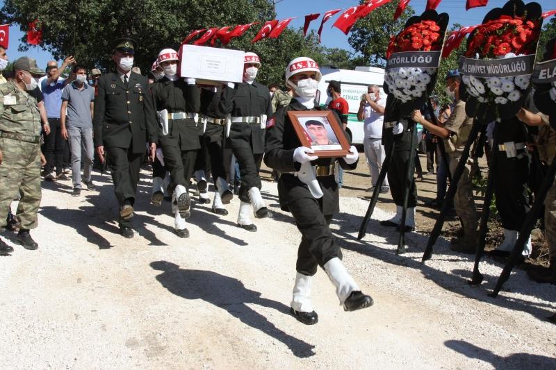 Şehit Piyade Sözleşmeli Onbaşı Recep Durak Ergani'de Son Yolculuğuna Uğurlandı
