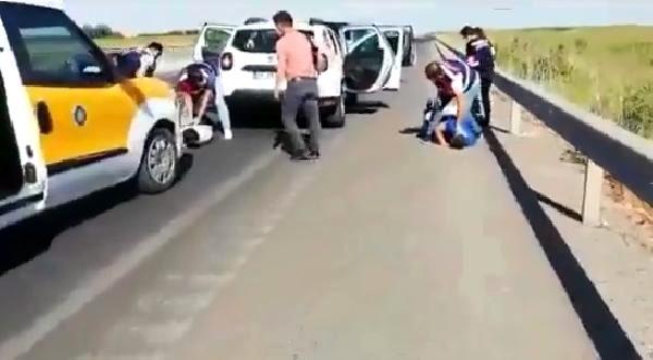 Silah kaçakçıları yol ortasında yakalandı