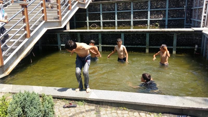 Süs havuzunda tehlikeli serinlik