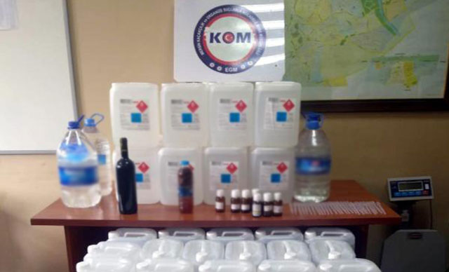 Tarsus'ta 220 litre metil alkol ele geçirildi