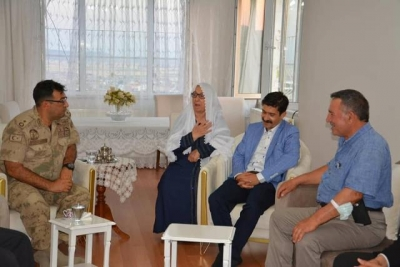 Abdulselam Öztürk şehit aileleri ve gazileri ziyaret etti