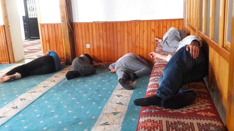 Camilerde Ramazan uykusu
