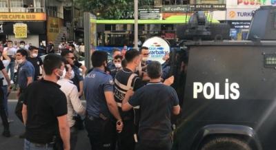 Diyarbakır'da bıçaklı kavga: 2 yaralı, 7 gözaltı