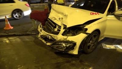 Diyarbakır'da otomobiller çarpıştı 3 yaralı