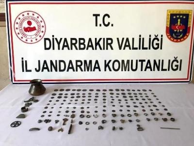 Diyarbakır'da tarihi eser kaçakçısı 2 kişi suçüstü yakalandı