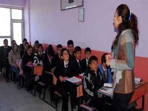 Doğu'ya 17 bin öğretmen