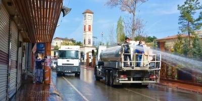 Ergani'de cadde ve sokaklarda korona temizliği