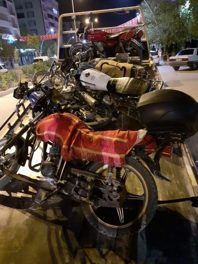 Ergani'de Uygunsuz Motosikletler Toplanıyor