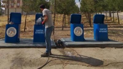 Ergani'de yeraltı çöp konteynerleri yenilendi