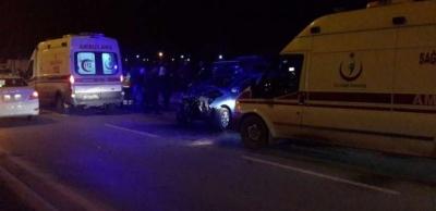 Hafif ticari araç ve otomobil çarpıştı: 5 yaralı