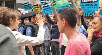 Kaftancıoğlu, İBB'deki işten çıkarılan vatandaşlarla görüştü