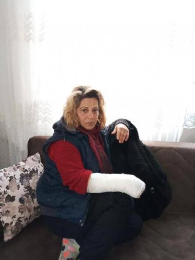 Köpeklerin saldırısına uğrayan kanser hastası kadın yaralandı